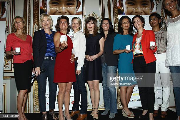 Claire Chazal Catherine Ceylac Marielle Fournier Sidonie Bonnec Isabelle Morizet Marie Drucker Faustine Bollaert Nathalie Renoux Patricia Loison and...