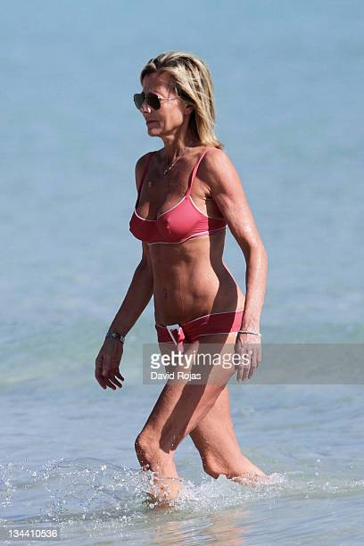 Claire Chazal is sighted on December 22 2010 in Miami Beach Florida