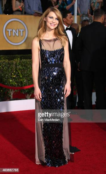 Claire Danes arrives at the 20th Annual Screen Actors Guild Awards at the Shrine Auditorium on January 18 2014 in Los Angeles California