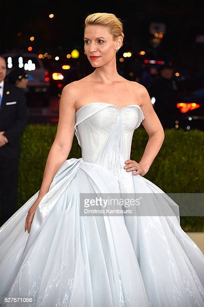Claire Danes attends the Manus x Machina Fashion In An Age Of Technology Costume Institute Gala at Metropolitan Museum of Art on May 2 2016 in New...