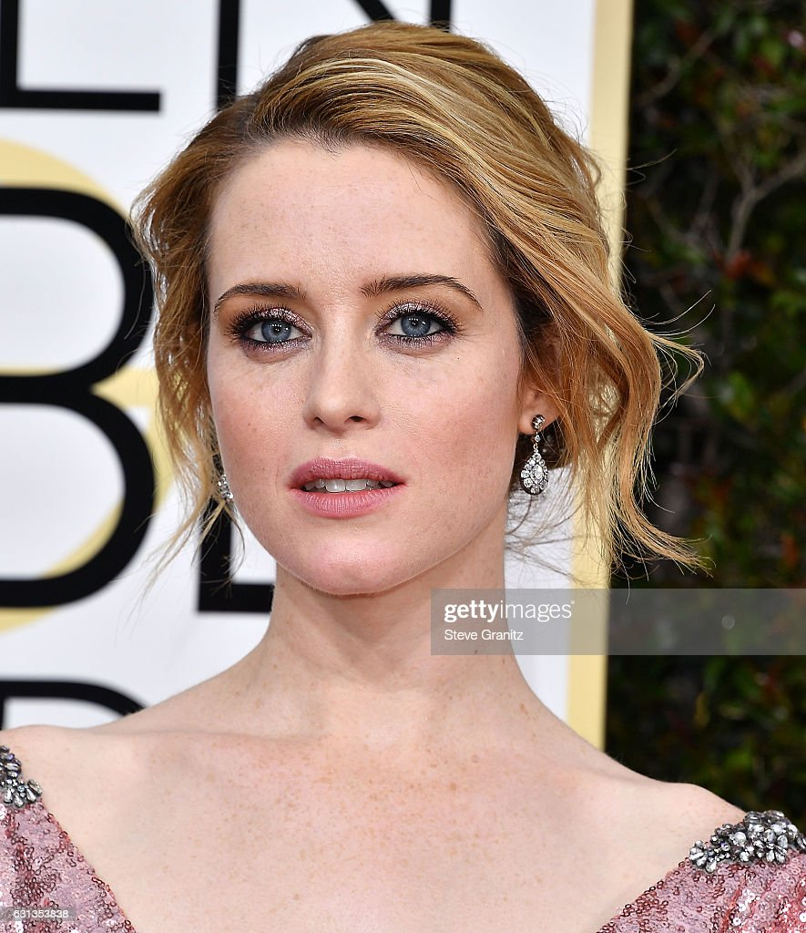 Claire Foy arrives at the 74th Annual Golden Globe Awards at The Beverly Hilton Hotel on January 8, 2017 in Beverly Hills, California.