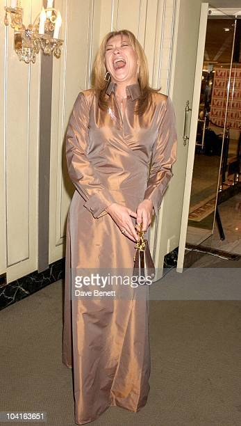Claire King 7th Annual Tv Quick Awards 2003 At The Dorchester Hotel Park Lane London