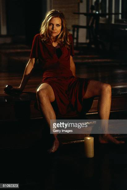 Claire Spencer Played By Michelle Pfeiffer Greets Her Husband In An Unusually Seductive Mood In The Thriller What Lies Beneath A Film By Robert...