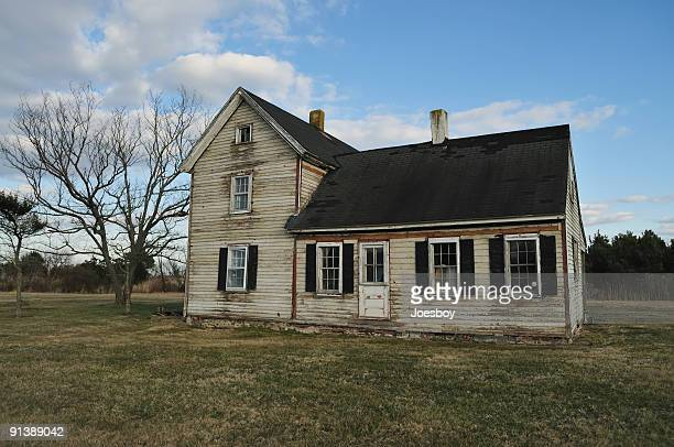 clapboard house - run down stock pictures, royalty-free photos & images