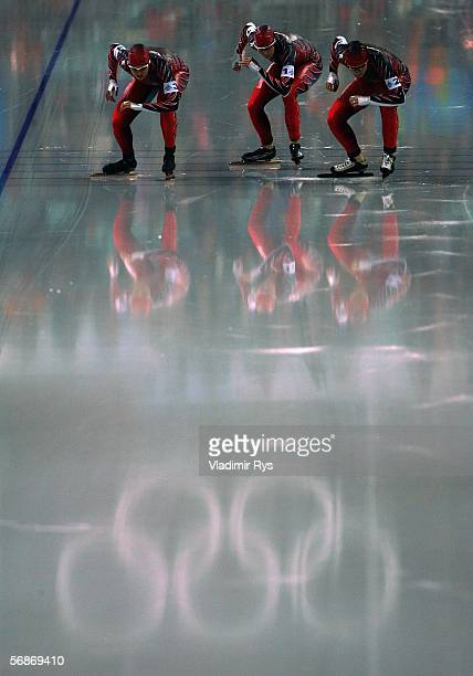 Clara Hughes Kristina Grovesand Cindy Klassen of Canada prepare for the start in the women speed skating team pursuit during Day 6 of the Turin 2006...