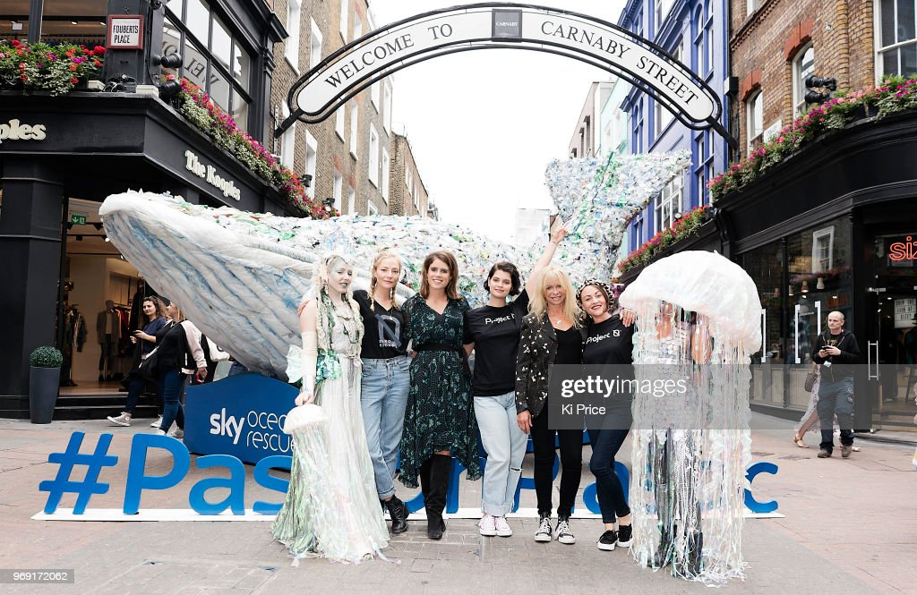 https://media.gettyimages.com/photos/clara-paget-princess-eugenie-pixie-geldof-jo-wood-and-jaime-winstone-picture-id969172062