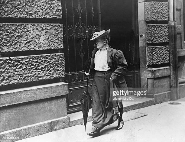 Clara Zetkin*05071857Politikerin DAufnahme vor 1906Foto Berliner IllustrationsGesellschaft