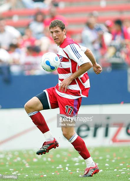 Clarence Goodson of FC Dallas takes control of the ball against the Colorado Rapids at Pizza Hut Park in Frisco, Texas on April 22, 2007.