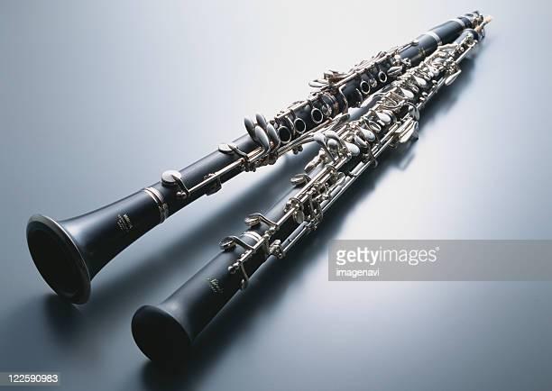 clarinet and oboe - oboe stock-fotos und bilder
