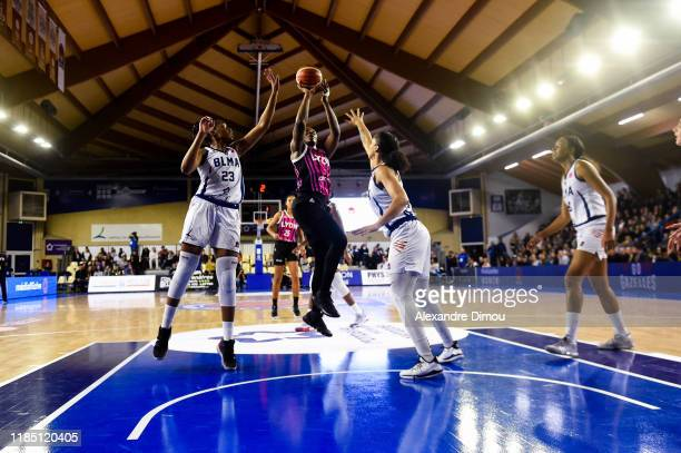 Clarissa DOS SANTOS of Lyon and Stephanie MAVUNGA and Gabby WILLIAMS of Montpellier during the Euroleague Women Basketball match on Group B between...