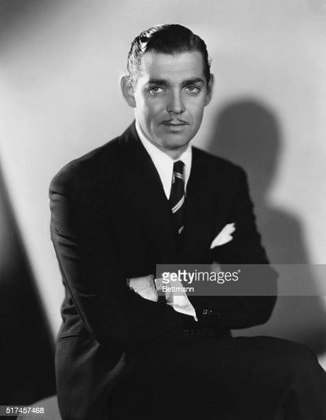Clark Gable is debonair nonchalant and adventurous What more could anybody want in the Columbia production It Happened One Night directed by Frank...