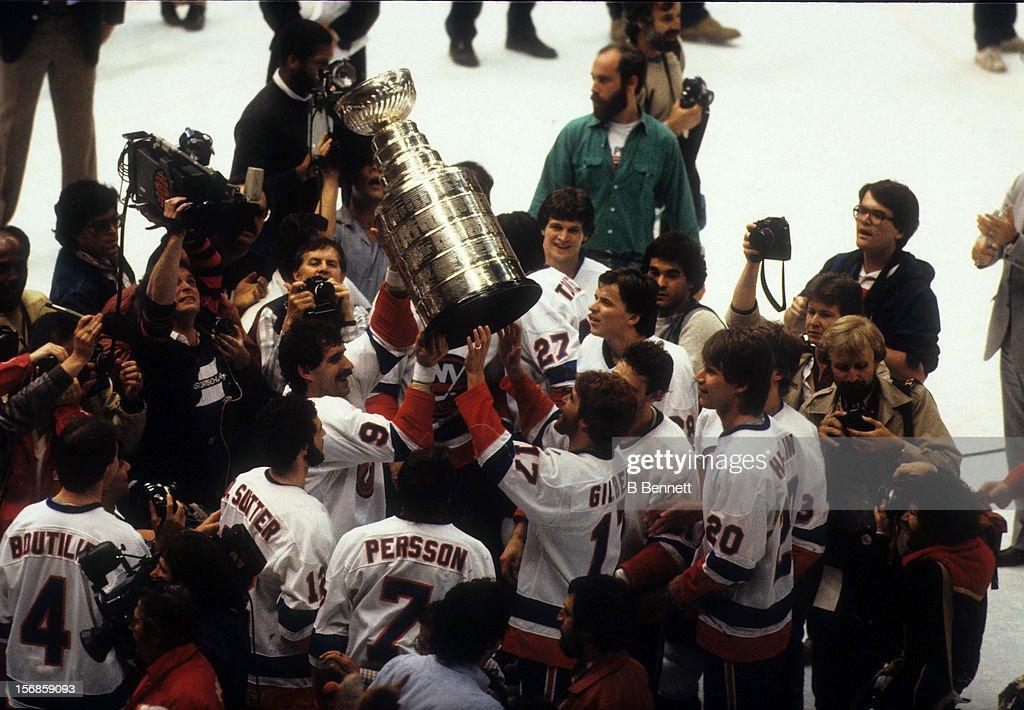 1983 Stanley Cup Finals - Game 4:  Edmonton Oilers v New York Islanders : News Photo