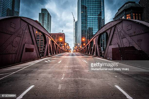 clark street bridge - chicago illinois stock pictures, royalty-free photos & images