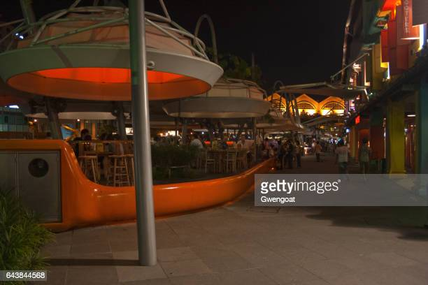 clarke quay at night - gwengoat stock pictures, royalty-free photos & images