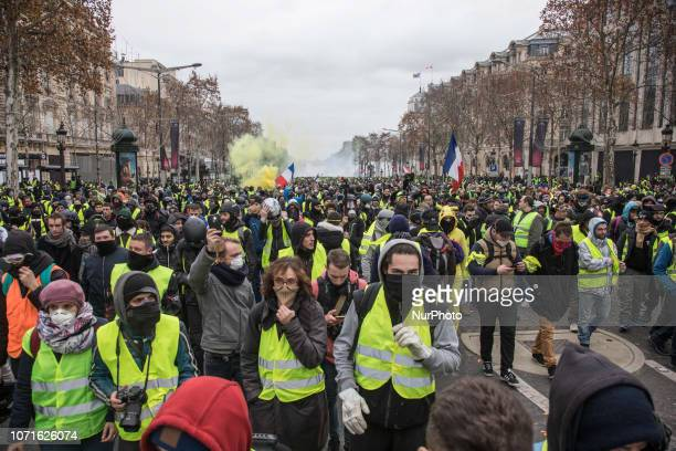 Clashes and vandalism which have resulted in thousands of arrests including more than 1700 on Saturday 8 December 2018 spring from the Yellow Vests...