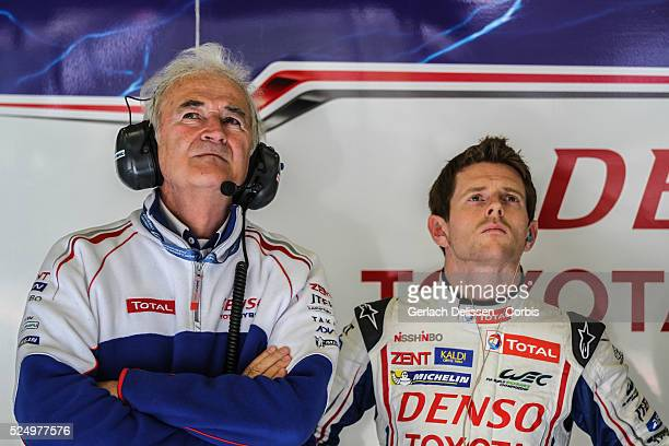 Class Toyota Racing, Toyota TS030-Hybrid driver Anthony Davidson , and Hugues de Chaunac waiting in the pitbox during Free Practise 2 of the WEC 6...