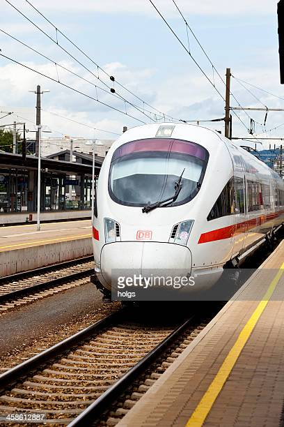 ICE-T Klasse gibt die station in Linz
