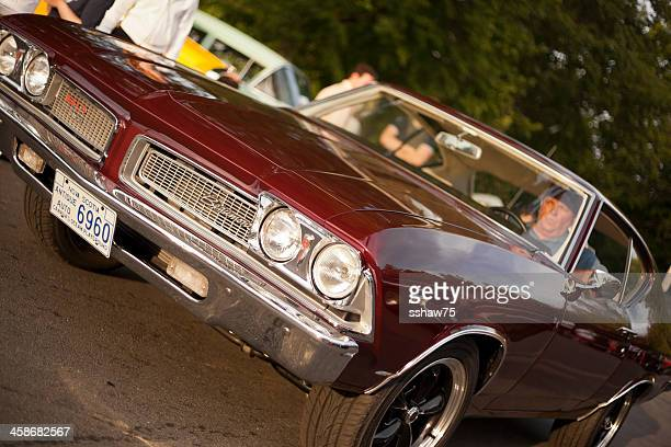 classic 1969 pontiac beaumont sd - 1960 1969 stockfoto's en -beelden