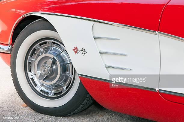 us classic car 1958 chevrolet corvette c1, side detail - 1960 corvette stock pictures, royalty-free photos & images