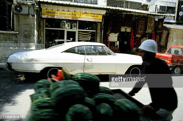 classic car in damascus - damascus stock pictures, royalty-free photos & images