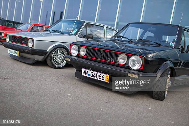 classic car store - golf imagens e fotografias de stock