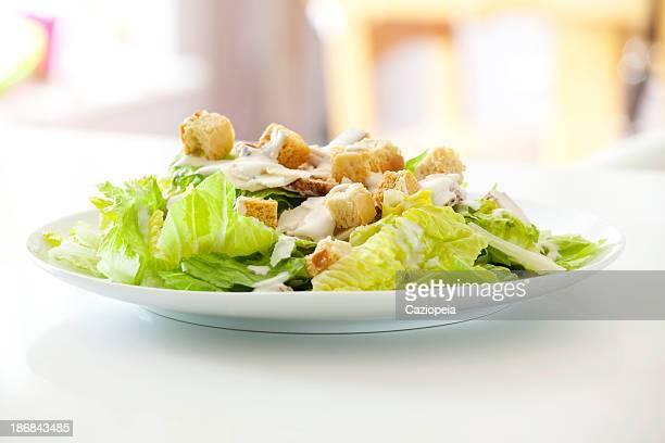 Clásica ensalada de pollo César