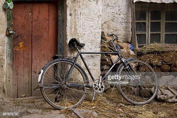 CONTENT] Classic Chinese steel bikes with rod brakes Gyantse China Also notice the yak dung insulation on the front of the house which is a common...