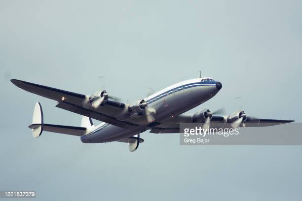 classic commercial aeroplane - greg bajor stock pictures, royalty-free photos & images