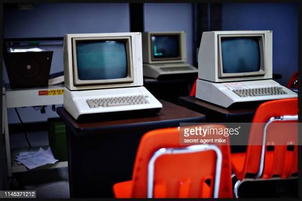classic computer classroom - universal history archive stockfoto's en -beelden