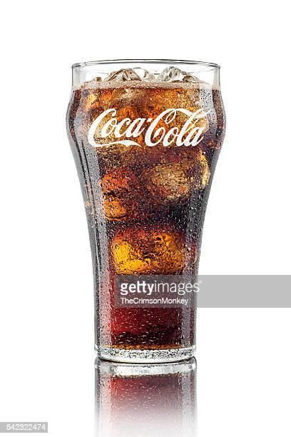 klassische glas von coca-cola - pepsi stock-fotos und bilder