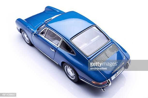porsche 911 modelo clásico - vehículo terrestre fotografías e imágenes de stock