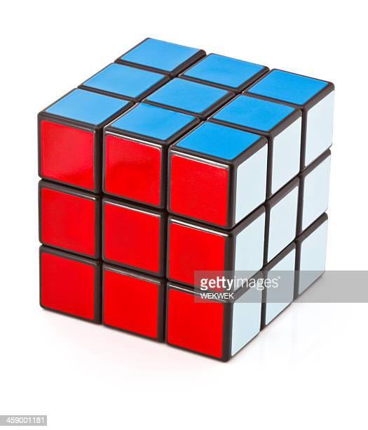 Clásico de Rubik's cube sobre fondo blanco