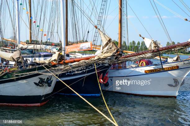 """classic sailing ships moored at the quay in kampen - """"sjoerd van der wal"""" or """"sjo"""" stock pictures, royalty-free photos & images"""