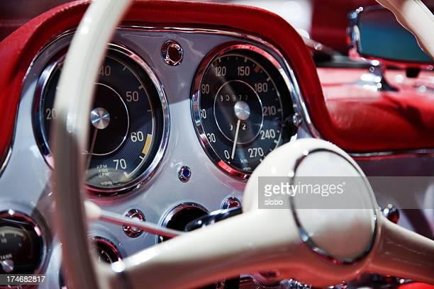 Intérieur de voiture de sport classique
