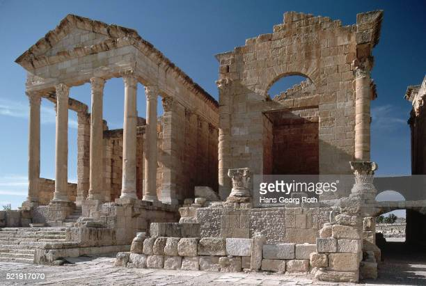 classical ruins at sbeitla, tunisia - kairwan stock pictures, royalty-free photos & images