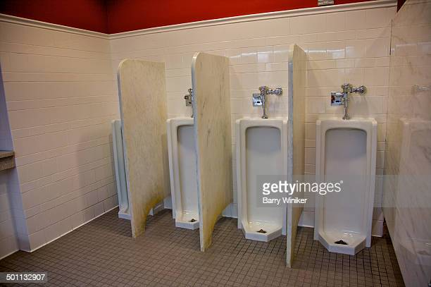 classic-style porcelain and marble mens room - ニューヨーク州庁舎 ストックフォトと画像