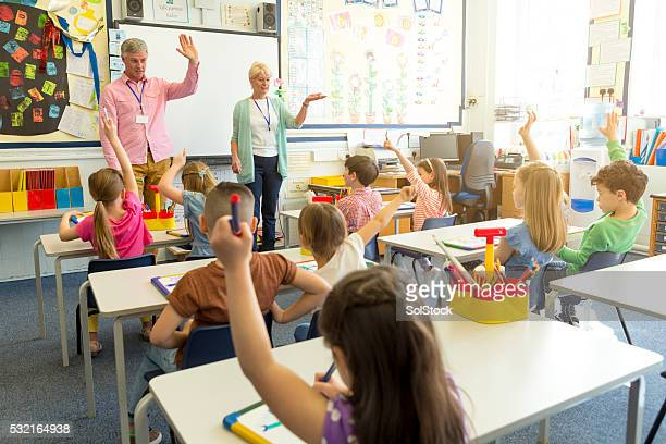 classroom discussion - english stockfoto's en -beelden