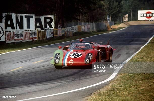 38 Claude Bourgoignie and Gustave Gosselin Alfa Romeo T33 entering Arnage Corner at Le Mans 5 June 1969