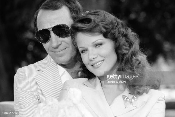 Claude Brasseur et Agostina Belli lors du tournage du film 'Le Grand Escogriffe' réalisé par Claude Pinoteau à Rome en juin 1976 Italie