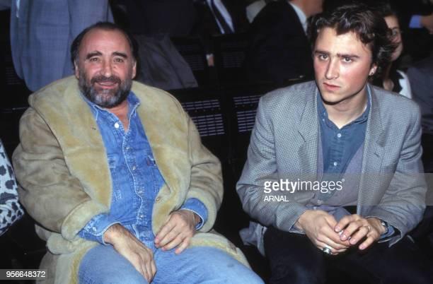 Claude Brasseur et son fils Alexandre à Paris en mars 1993 France