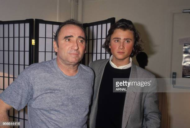 Claude Brasseur et son fils Alexandre à Paris le 11 mars 1988 France