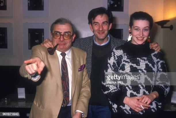 Claude Chabrol présente son film 'Masques' au Festival de Berlin avec les acteurs Robin Renucci et Anne Brochet le 23 février 1987 en Alemagne