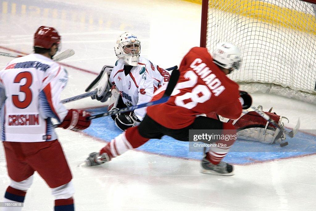 Hockey Super Series: Canada v Russia : Fotografía de noticias