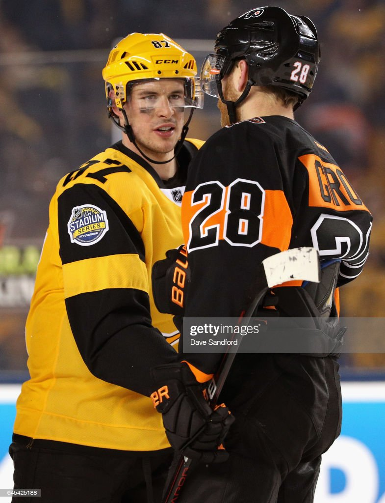 reputable site 4d177 4197f Claude Giroux of the Philadelphia Flyers and Sidney Crosby ...