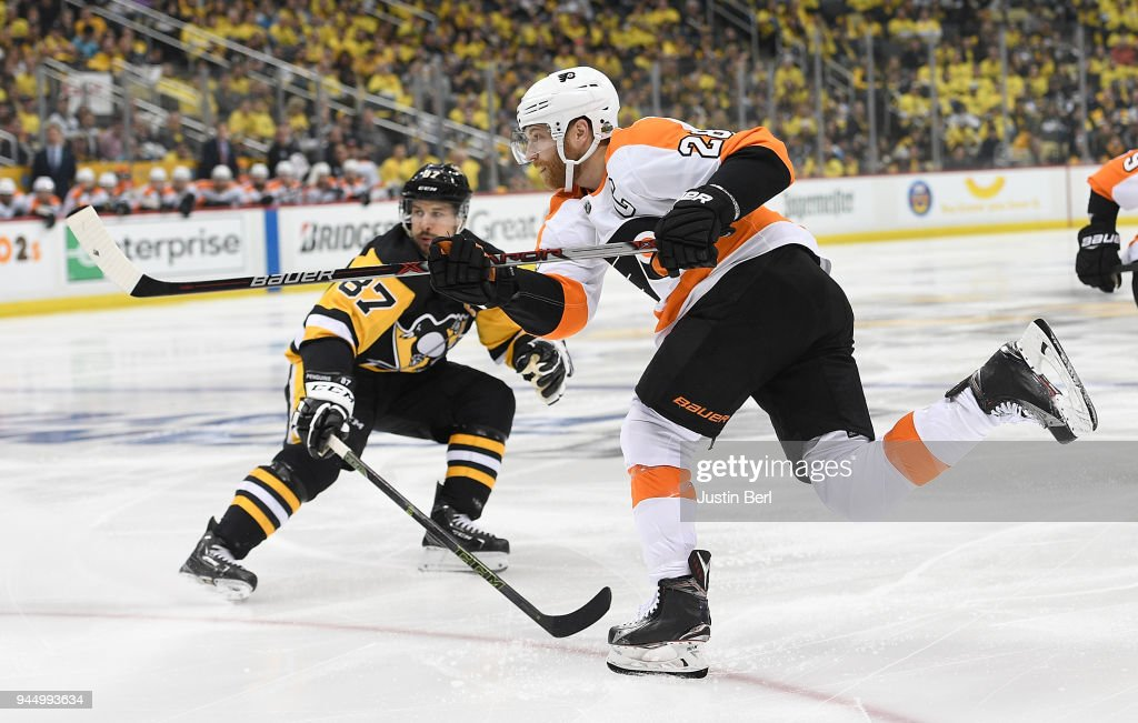 Philadelphia Flyers v Pittsburgh Penguins - Game One : News Photo
