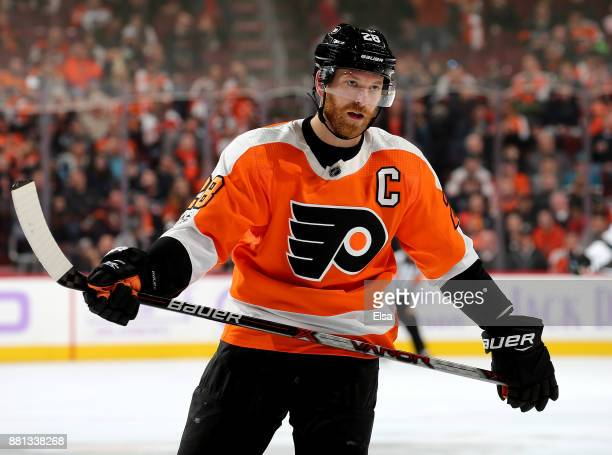 Claude Giroux of the Philadelphia Flyers reacts in the second period against the San Jose Sharks on November 28 2017 at Wells Fargo Center in...