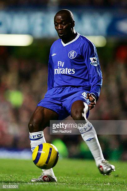 ENGLAND JANUARY 4 Claude Makelele of Chelsea during the Barclays Premiership match between Chelsea and Middlesbrough at Stamford Bridge on January 4...