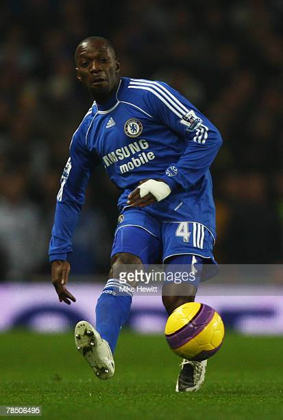 Claude Makelele of Chelsea in action during the Barclays Premier League match between Arsenal and Chelsea at the Emirates Stadium on December 16 2007...