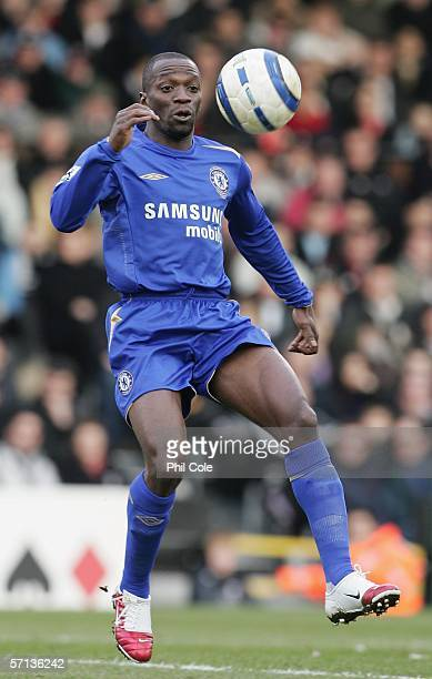 Claude Makelele of Chelsea in action during the Barclays Premiership match between Fulham and Chelsea at Craven Cottage on March 19 2006 in London...