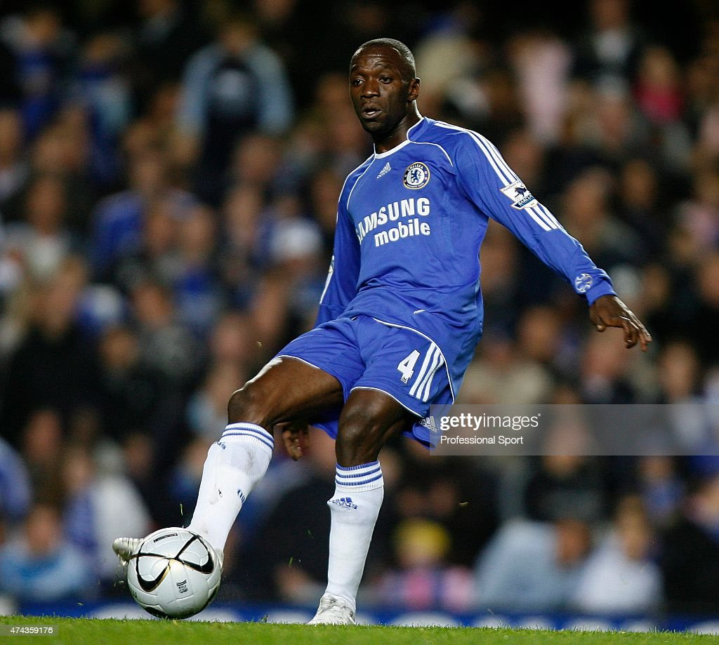 Carling Cup: Chelsea v Aston Villa : News Photo